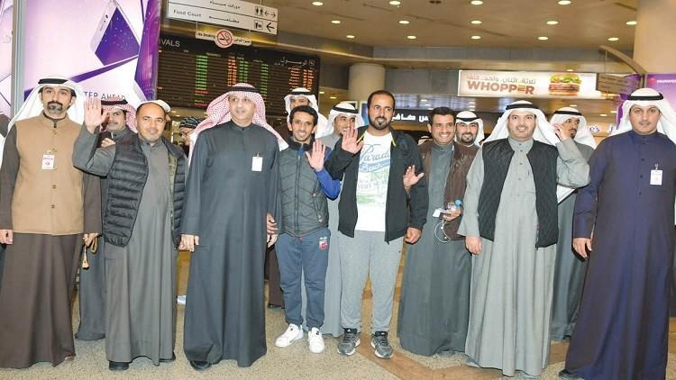 بازگشت 4 کویتی به کشورشان بعد از آزادی از زندان اهواز (عکس)