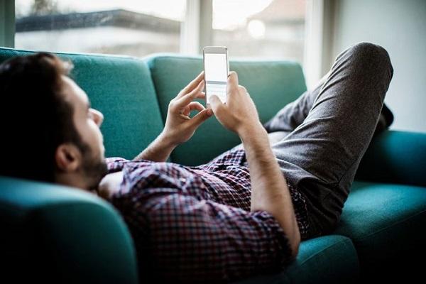 آیا استفاده از گوشی هوشمند محرک میگرن است؟