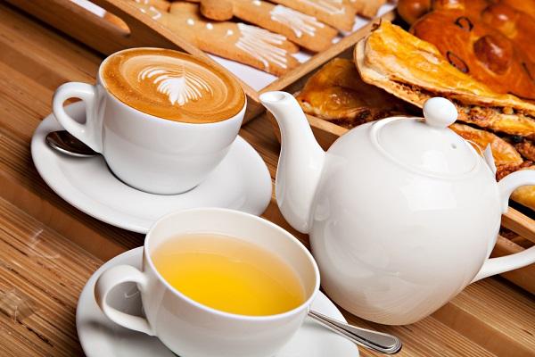 قهوه در برابر چای؛ کدام یک برای سلامت شما بهتر است؟
