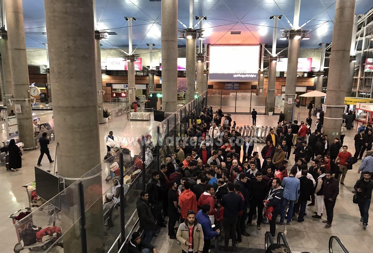 شعارضدکی روش در فرودگاه (+عکس)