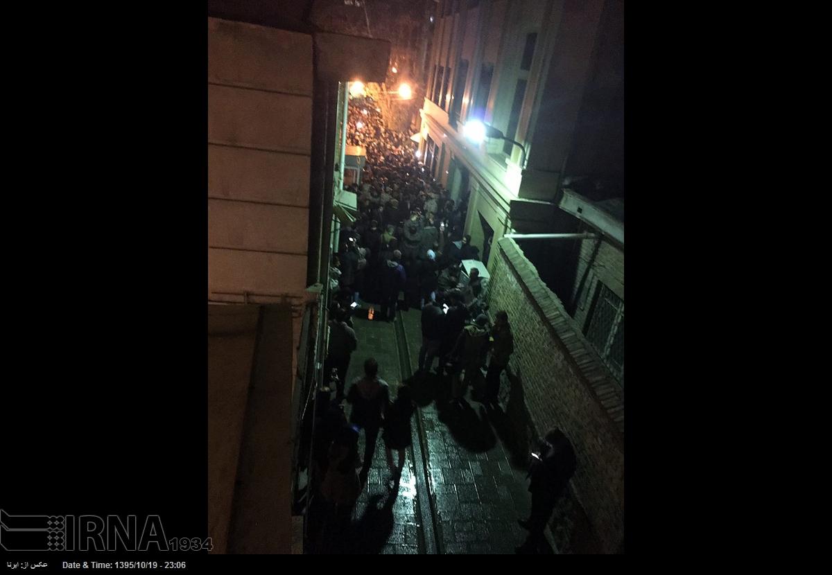 حضور مردم در خیابانهای منتهی به حسینیه جماران (+عکس)