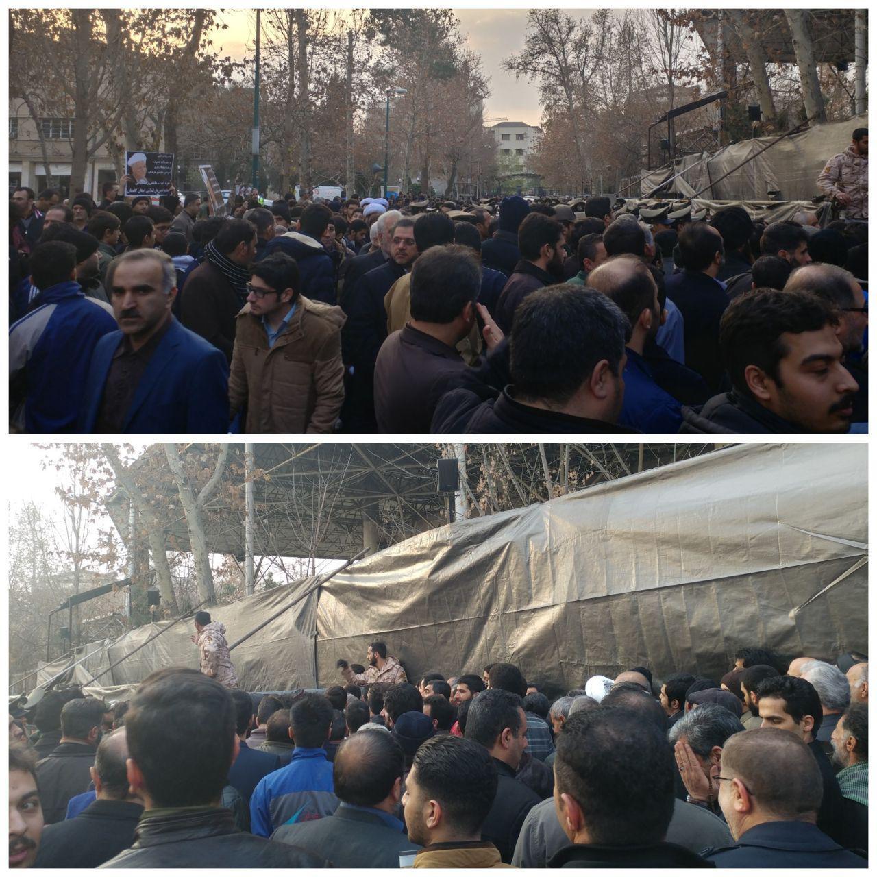 حضور دوستداران آیت الله هاشمی در مقابل دانشگاه تهران