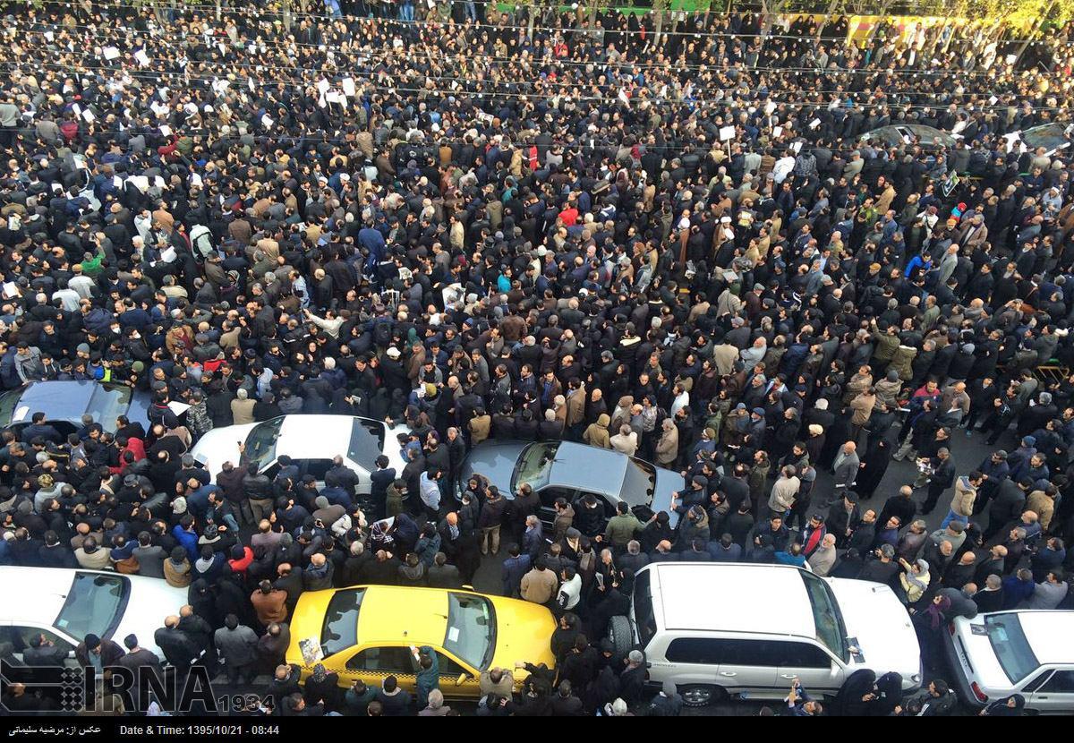 انتقال پیکر از جماران به دانشگاه تهران/ آغاز مراسم تشییع پیکر هاشمی رفسنجانی (+عکس)