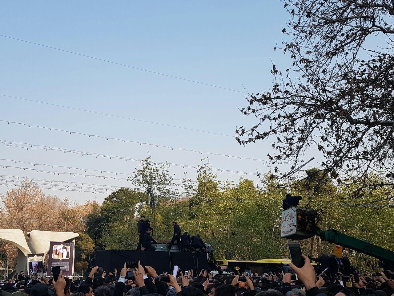 انتقال پیکر از جماران به دانشگاه تهران/ آغاز مراسم تشییع پیکر هاشمی رفسنجانی