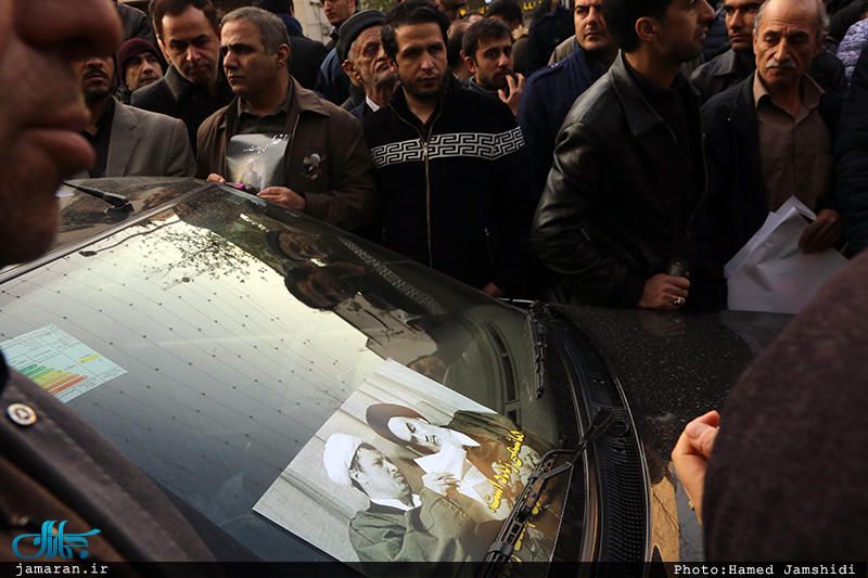 پیکر هاشمی در کنار امام آرام گرفت / جمعیت میلیونی در مراسم تشییع (+ حاشیه ها و عکس)