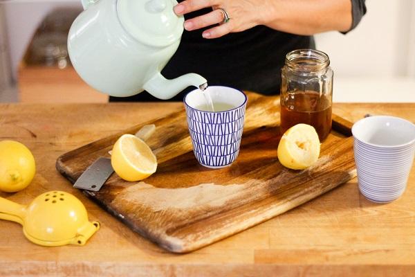 فواید سلامت نوشیدن منظم آب گرم