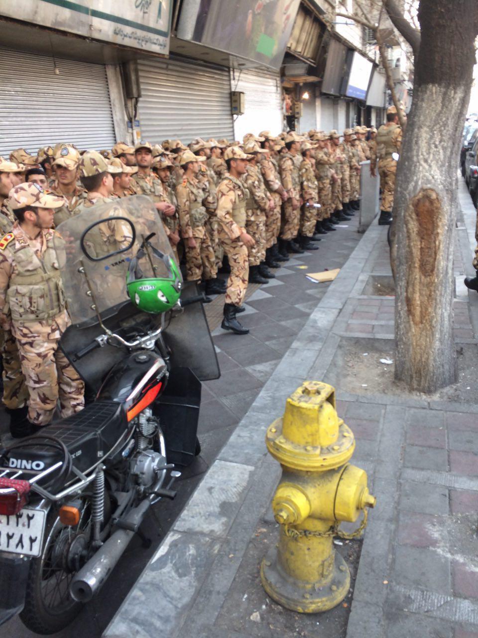 آغاز آواربرداری در پلاسکو/ حضور ماموران یگان ویژه و ارتش برای تامین نظم و امنیت