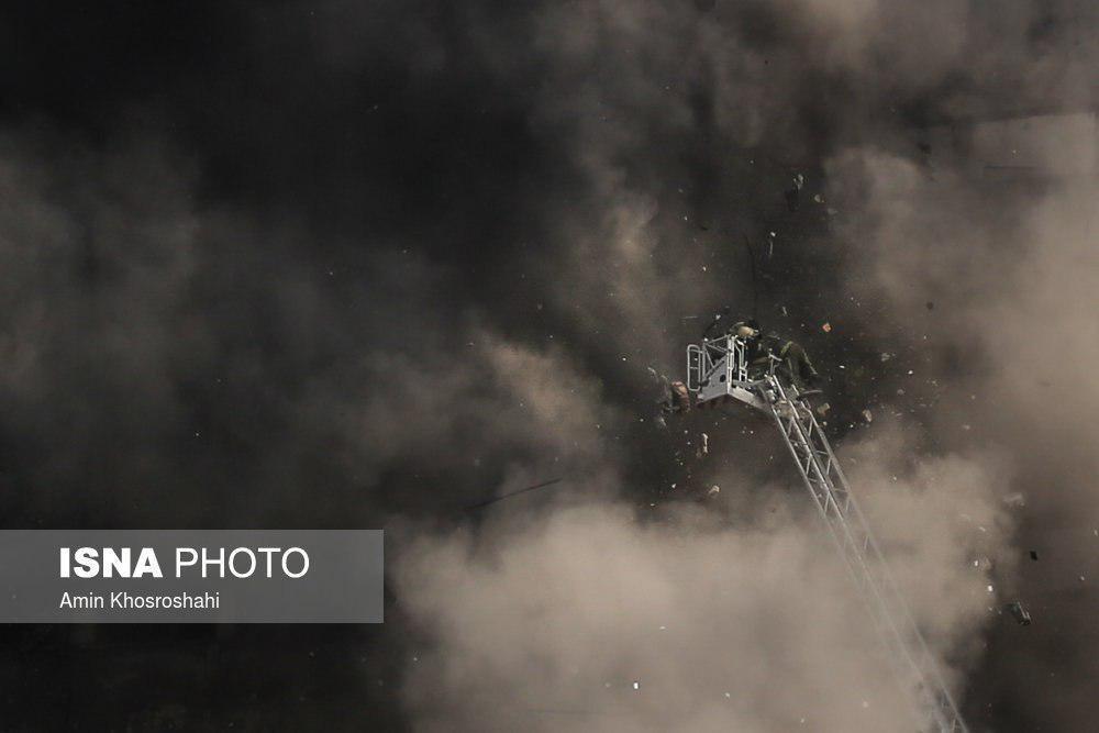 ریزش ساختمان پلاسکو (+عکس و فیلم ) /  قالیباف: شهادت 20 آتش نشان