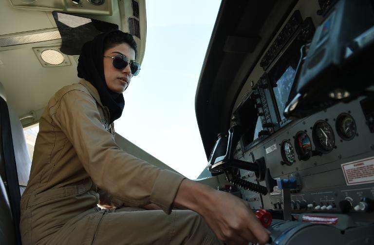 جنجال درخواست پناهندگی نخستین زن خلبان افغان از آمریکا
