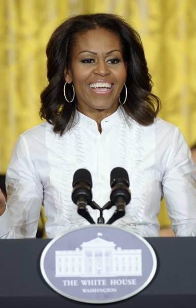 آمریکا: برکناری به دلیل تشبیه همسر اوباما به