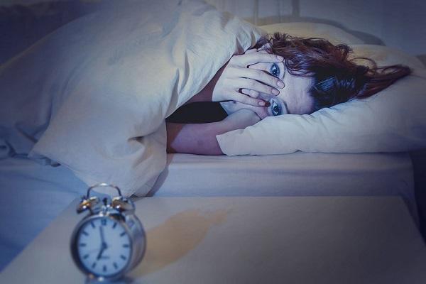 5 کاری که پیش از خواب نباید انجام داد
