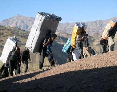 کامبیز نوروزی: درک انسان دوستانه وضعیت کولبران نباید مجوز قاچاق تلقی شود