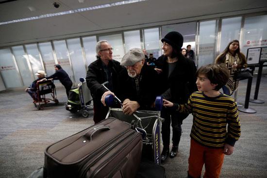 تعلیق فرمان ترامپ؛ موج ورود مسافران ایرانی به فرودگاه های آمریکا (+عکس)