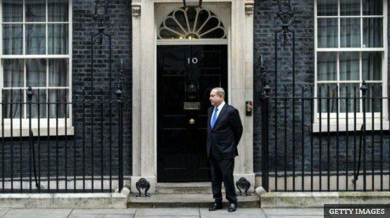 نتانیاهو منتظر در پشت در نخست وزیری انگلیس (عکس)