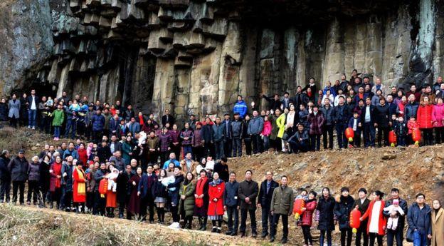 عکس خانوادگی 500 نفره در چین