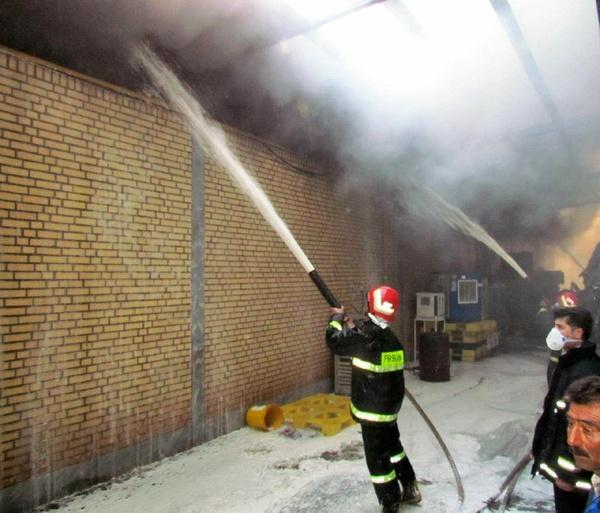 آتشسوزی در انبار کیف خیابان منوچهری تهران مصدومی نداشت