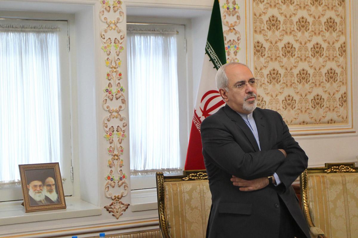 آقای ظریف، در تهران چه می کنید؟!