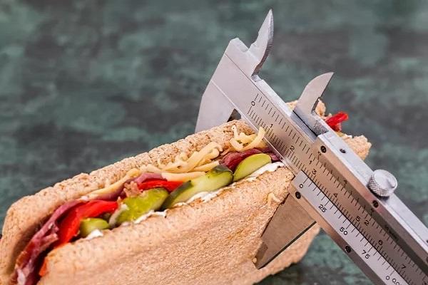پیشگیری از ابتلا به سرطان با کاهش کالری مصرفی
