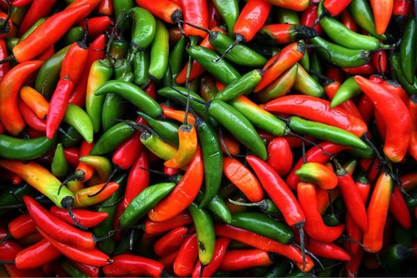 غذاهای تند چه تاثیری بر بدن می گذارند؟