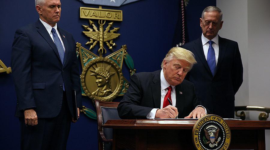 ترامپ امضا کرد؛ ممنوعیت 3 ماهه ورود ایرانی ها به خاک آمریکا