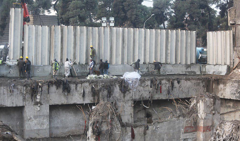 بازگشایی خیابان جمهوری/ دیوارکشی در برابر پلاسکو (+عکس)