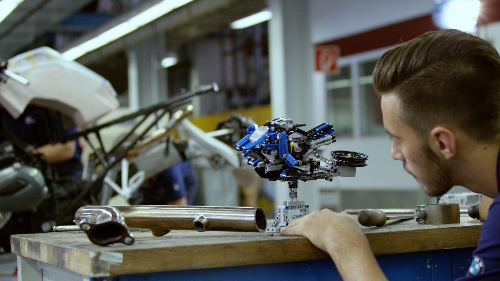 موتور پروازی بیامو با الهام از یک لگوی اسباببازی