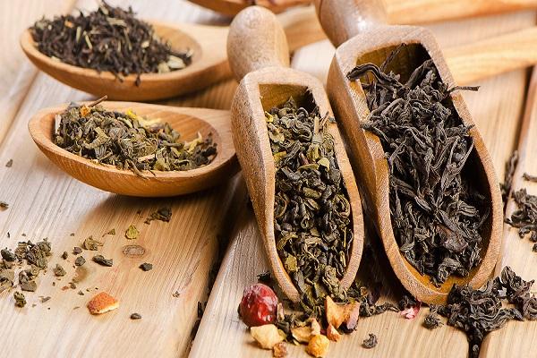 چای سیاه در برابر چای سبز؛ کدام سالمتر است؟