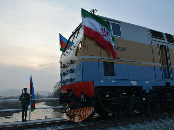 قطار حوزه مرزی آستارای ایران به طور آزمایشی راه اندازی شد
