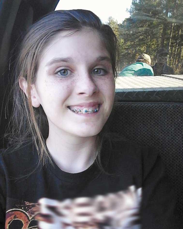 دختری که عجیبترین سلفی جهان را گرفت (+عکس)