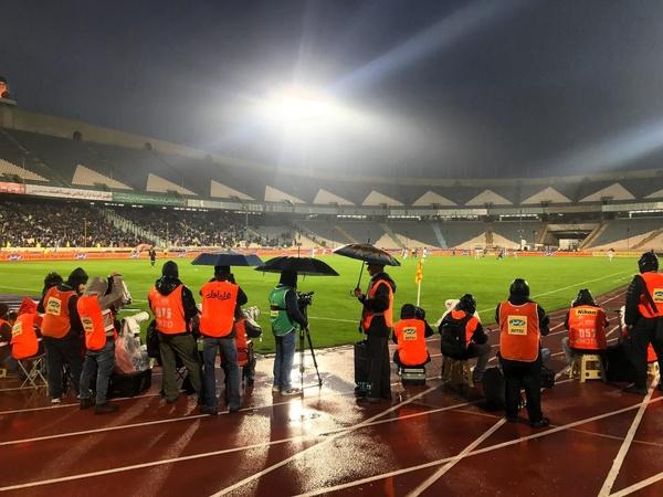 ورود دوربین به داخل ورزشگاهها ممنوع اعلام شد