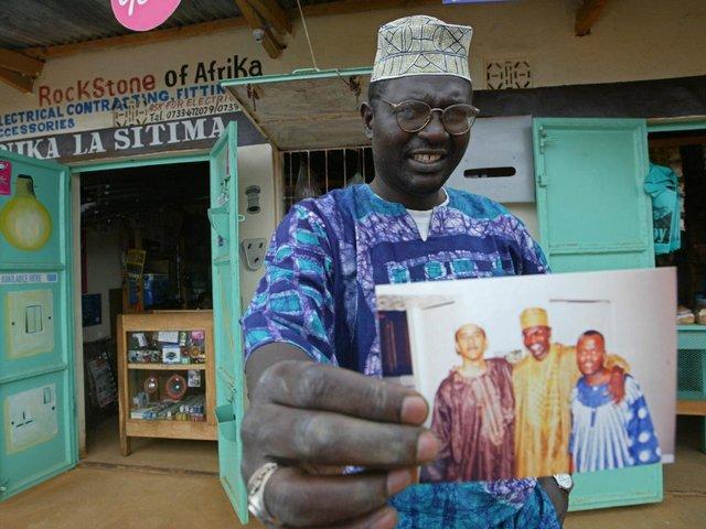 برادر ناتنی اوباما گواهی تولد کنیایی برادرش را منتشر کرد