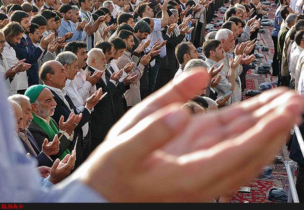 تلاش تجمع کنندگان بیرجندی برای ممانعت از برگزاری نماز جمعه بینتیجه ماند