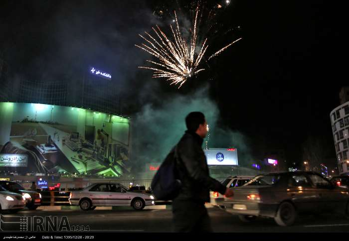 نور افشانی شب میلاد حضرت زهرا در میدان ولیعصر (+عکس)