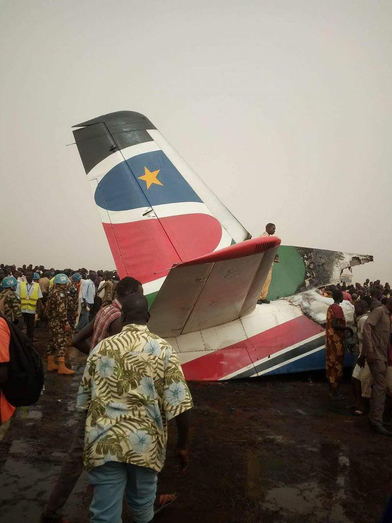 سقوط هواپیمای مسافربری در سودان (+عکس)