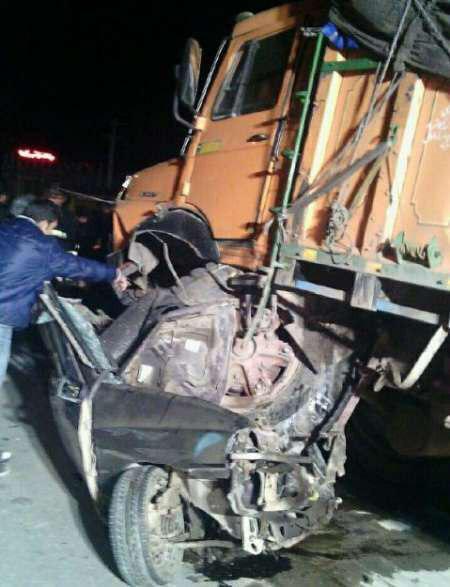 7 کشته در تصادف پراید با کامیون در کرمان (عکس)