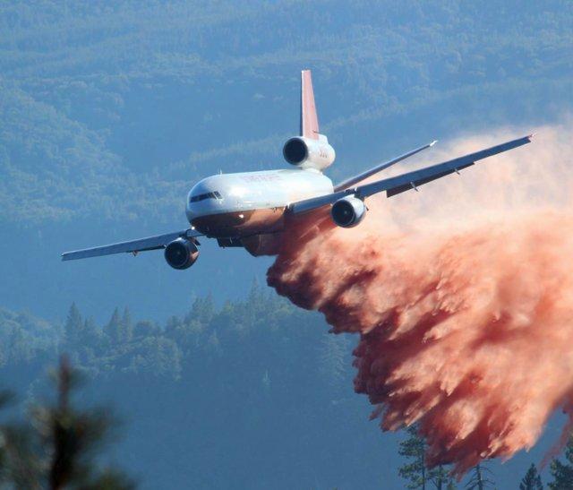 آتشنشانی هوایی (+عکس)