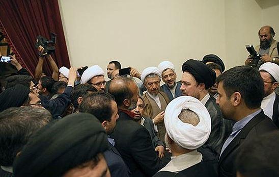 دیدار پدر ستایش قریشی با یادگار امام (+ عکس)