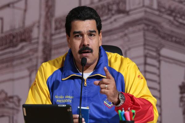 رئیس جمهور ونزوئلا خطاب به مردم: اگر مخالفان من را برکنار کردند شورش کنید