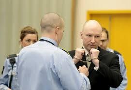 نروژ؛ شکایت قاتل 69 نفر از دولت به دلیل وضعیت زندان / دادگاه دولت را جریمه کرد