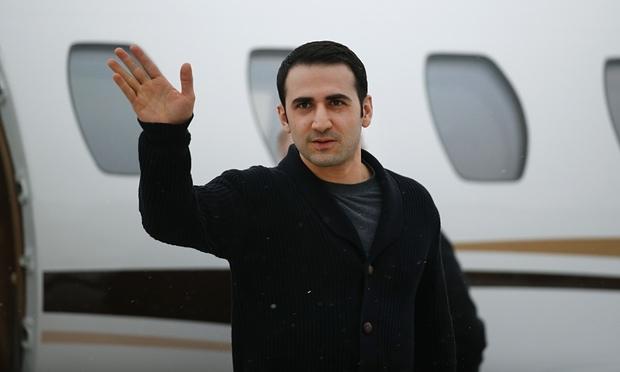 شکایت امیر حکمتی از دولت ایران در آمریکا برای دریافت غرامت