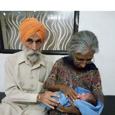 زن هفتاد و چند ساله هندی، مادر شد! (+عکس)