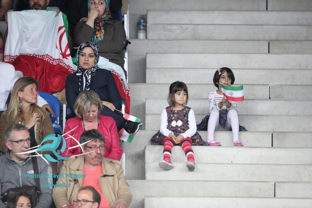تماشاگران ایرانی فرانسه حامی تیم ملی والیبال(+عکس)