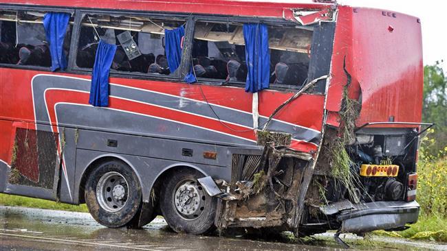 واژگونی اتوبوس در تگزاس آمریکا؛ 8 کشته و 44 زخمی (+فیلم و عکس)