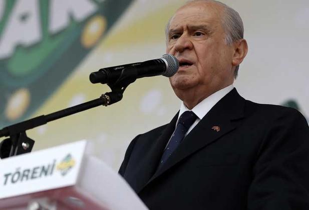 طغیان اعضا علیه رهبر حزب ملی گرای ترکیه