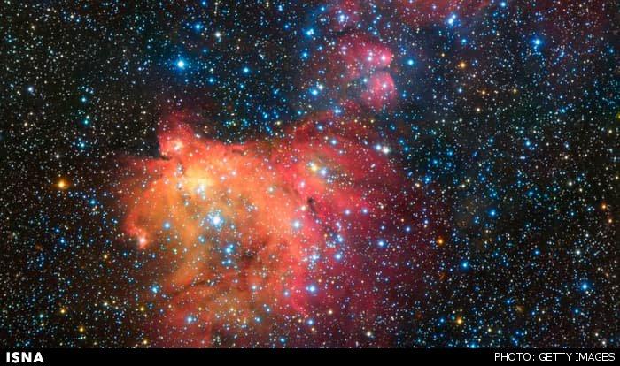 تصویر زیبایی از یک سحابی رنگین در ابر ماژلانی