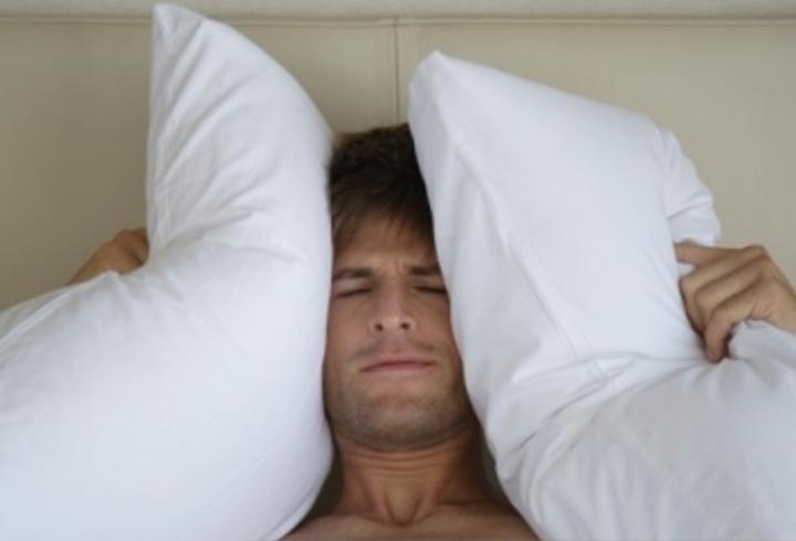 چرا شب اول در مکانی جدید مشکل تر می خوابیم؟