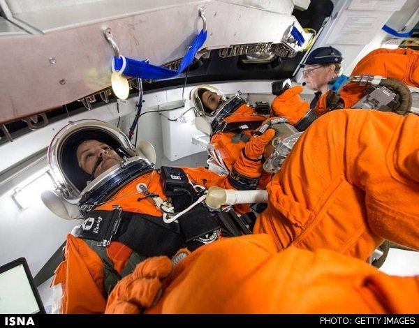 فضانوردان با معضل عطسه و سرفه چه میکنند؟