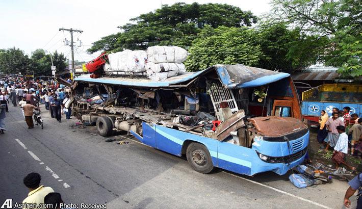 تصادف اتوبوس با کامیون در بنگلادش؛ 10 کشته و 25 مجروح