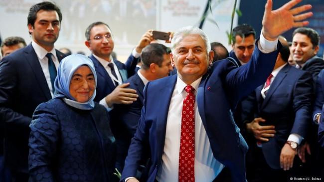 نخست وزیر جدید ترکیه و همسرش (عکس)