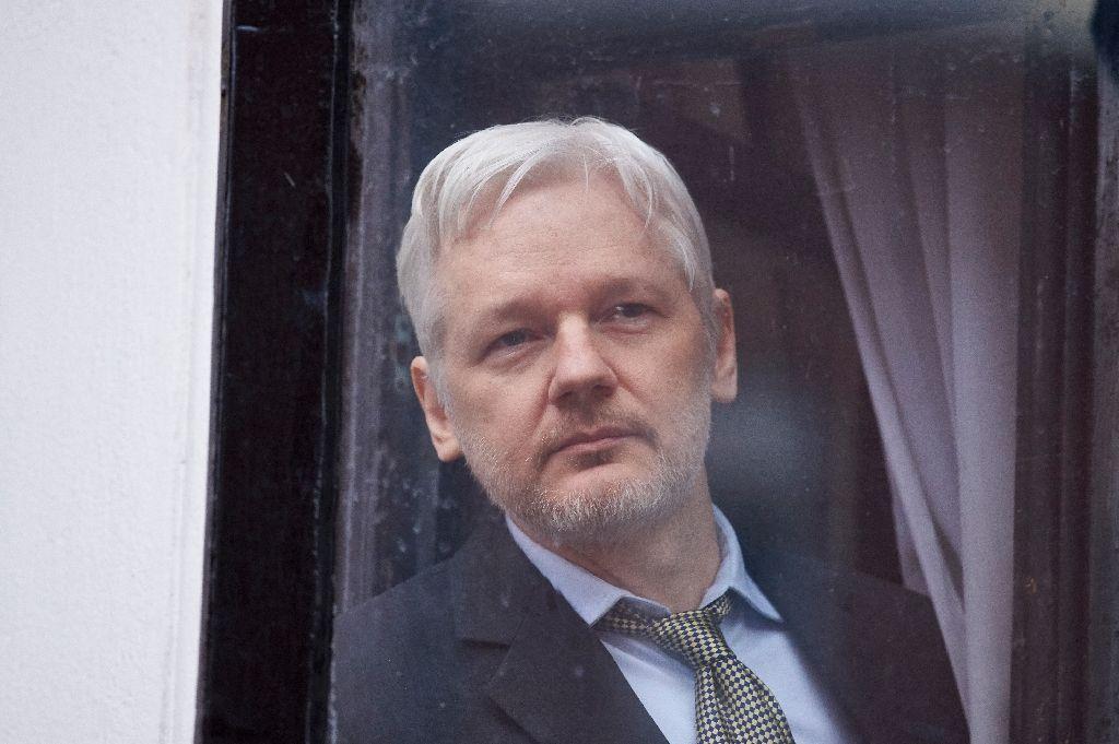 تهدید ویکی لیکس به انتشار ای میل های بیشتر از کلینتون